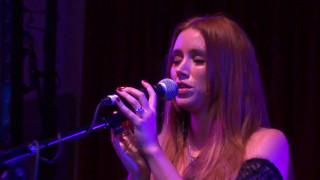 Una Healy - Craving You [Live at London Bush Hall]
