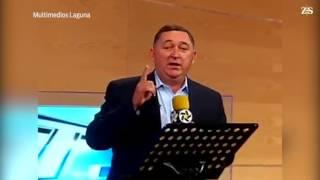 Alcalde de Saltillo canta en noticiero de tv