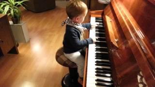 Ifjú zongoraművész