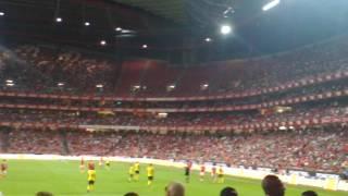 E Quem não Canta fica em casa allez,Benfica!!!