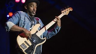 Marcus Miller - Run For Cover - backing track