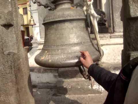 20 Juan Lázara y Shreekrishna compara campanas orientales con occidentales