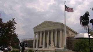 El Tribunal Supremo de EEUU rechaza reconsiderar el plan migratorio de Obama