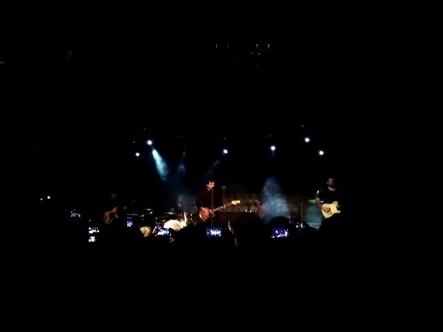 Vídeo de un concierto en la sala Bikini de Barcelona.
