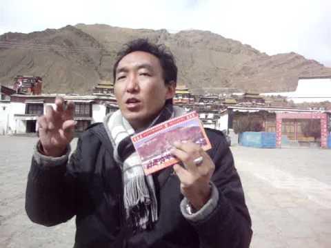 01 Prof. Juan Lázara filma a Damiang en Shigatsé.MPG