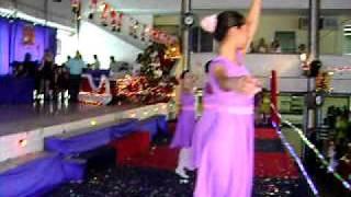 Elas dançam Roberto Carlos e vestem Helys Heney 11 de dezembro de 2011 038.avi