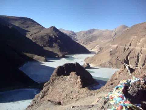 00 Prof. Juan Lázara en lagos congelados en los Himalayas.MPG