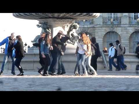 Out Of Control de Pony Pony Run Run Letra y Video