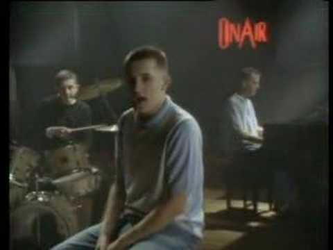Think For A Minute de Housemartins Letra y Video