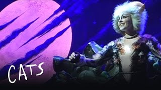 Alyse Davie performs 'Memory' in Filipino - Asia Pacific | Cats the Musical