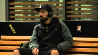 12ος Πίθηκος -H μοναξιά στο πεζοδρόμιο ( Official Music Video ) HD