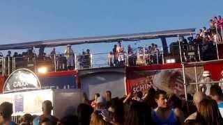 "Saulo cantando ""Malandrinha"" - Salvador - 08.12.13"