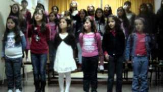 """""""Uma pequena flor"""" (pelo Coro da EB1/PE da Corujeira 2010/11)"""