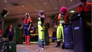 """Groove Onkels """"trashed alive"""" at carneval"""