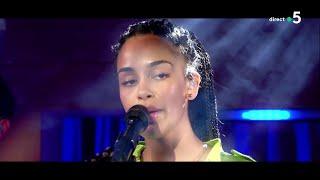 """Jorja Smith - """" Blue lights (live) """" - C à Vous 25/06/2018"""