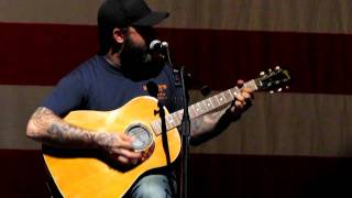 Aaron Lewis of Staind covers Foreigner Jukebox Hero (sort of)! Live, Reading, PA 04/27/2011