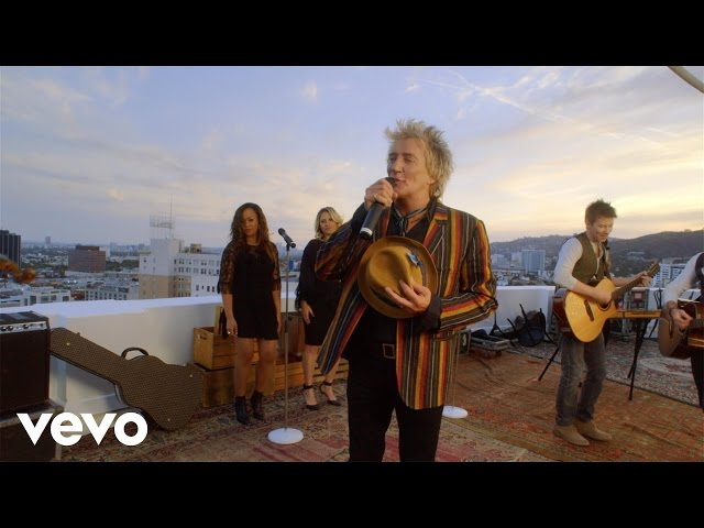 Video oficial de Rod Stewart Love Is