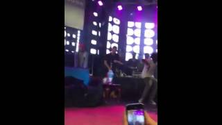 "Travis Scott ""Mamacita"" Live & Stage dives"