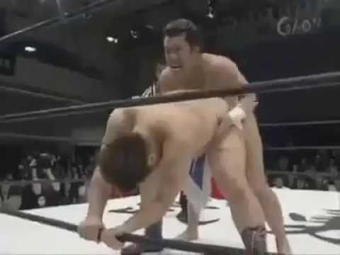 Download Video Kocak Di Jepang Ada SmackDown Khusus Kaum Homo