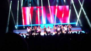 """The Saturdays : """"Disco Love, Baby One More Time"""" [Live]"""