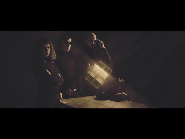 """Videoclip oficial de la canción """"Y si no vuelves nunca más"""" de Terrier."""