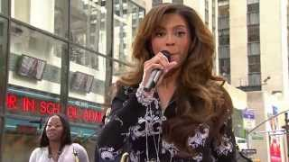 Beyonce - Irreplaceable (Performance @ Today Show 2006)