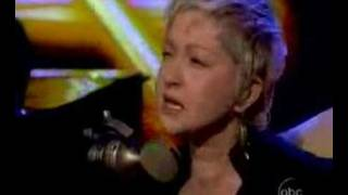 "Cyndi Lauper Sings ""True Colors"" Live on The"