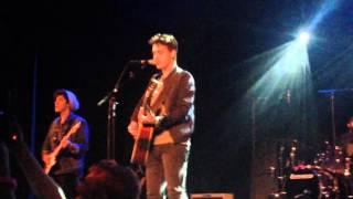 "Jacob  Whiteside sings ""let's be birds"" in Paris the 09-27-2015"