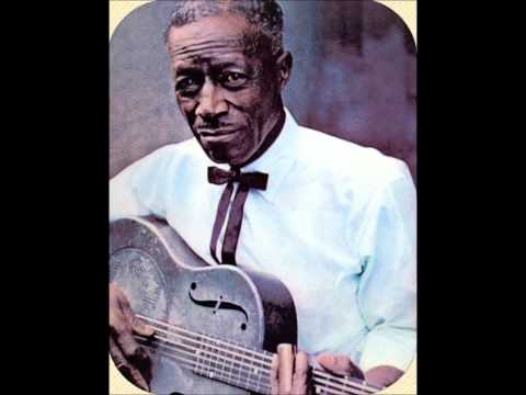 son-house-levee-camp-moan-canasng