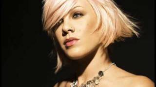 P!nk - Leave Me Alone (I'm Lonely)