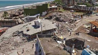 TERRIBLES IMAGENES DEL TERREMOTO DE 7.8° EN ECUADOR