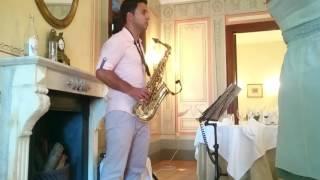 Amar Pelos Dois - Salvador Sobral, Tiago Taborda Live Sax Saxofone Cover