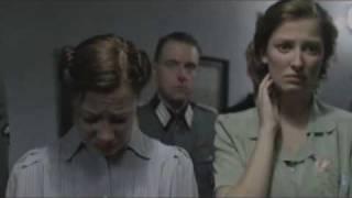 Den Hitler fënnt eraus, datt d'Gëlle Fra fort ass