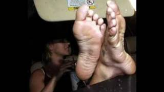 BRITNEY SPEARS FEET FOOT FETISH DELICIOUS WANNA SUCK & LICK THEM