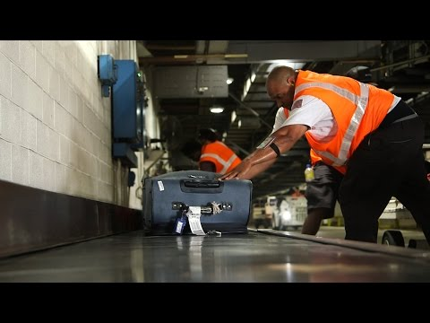 New Baggage Trackers Ease Travelers' Lost Luggage Fears