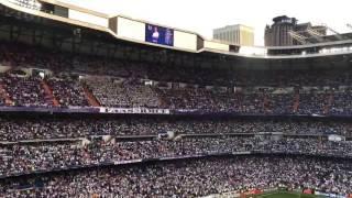 Olha como a torcida do Real Madrid age quando CR7 Cristiano Ronaldo é anunciado