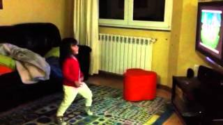 Laís dança o Panda