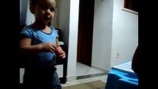 João Guilherme dança, canta Lulu Santos e Naldo