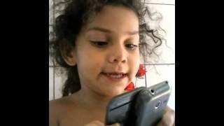 Criança de 3 anos cai na rede ... Eloysi Garcia Nu