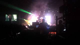 Skrillex (live) Lowlands 2012  headbanging technician
