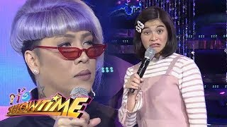 "It's Showtime Miss Q & A: Vice Ganda reacts to Anne's ""pasalubong"""