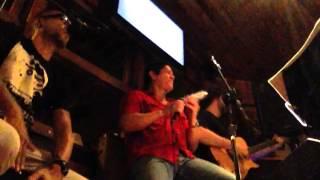 João Maria canta Justo Agora no Ponto Zero Bar