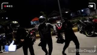Bikin Heboh!!! Goyangan maut ala bikers. @YRCB (Yamaha R15 Community Baturaja)