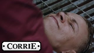 David Catches Clayton - Coronation Street