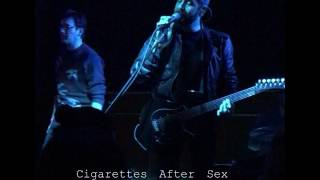 "Cigarettes After Sex - beautiful NEW song ""Sunsetz"" (Schuba's / Chicago, IL February 2, 2017)"