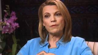 Vanna White discusses turning letters for a living- EMMYTVLEGENDS.ORG