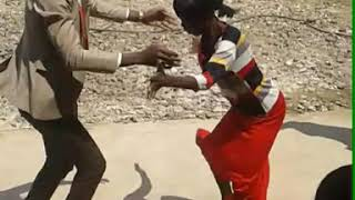 Wekwamagaya - Zim MC dances Baba Harare