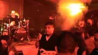 alto impakto presentación en vivo en la car lota restaurant bar