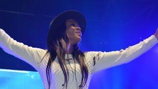 "ALMOK sing ""NONONINI"" at ZENITH (Paris) Live performing 27-03-06"