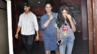 Akshay Kumar With Family - Son, Daughter & Wife Twinkle Khanna At A Theatre
